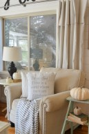 Excellent Fall Decorating Ideas For Home With Farmhouse Style17