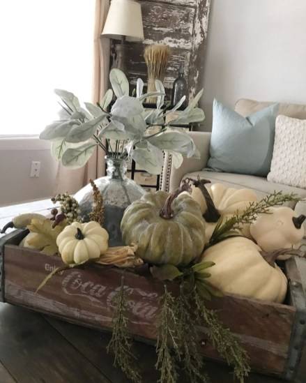 Excellent Fall Decorating Ideas For Home With Farmhouse Style33