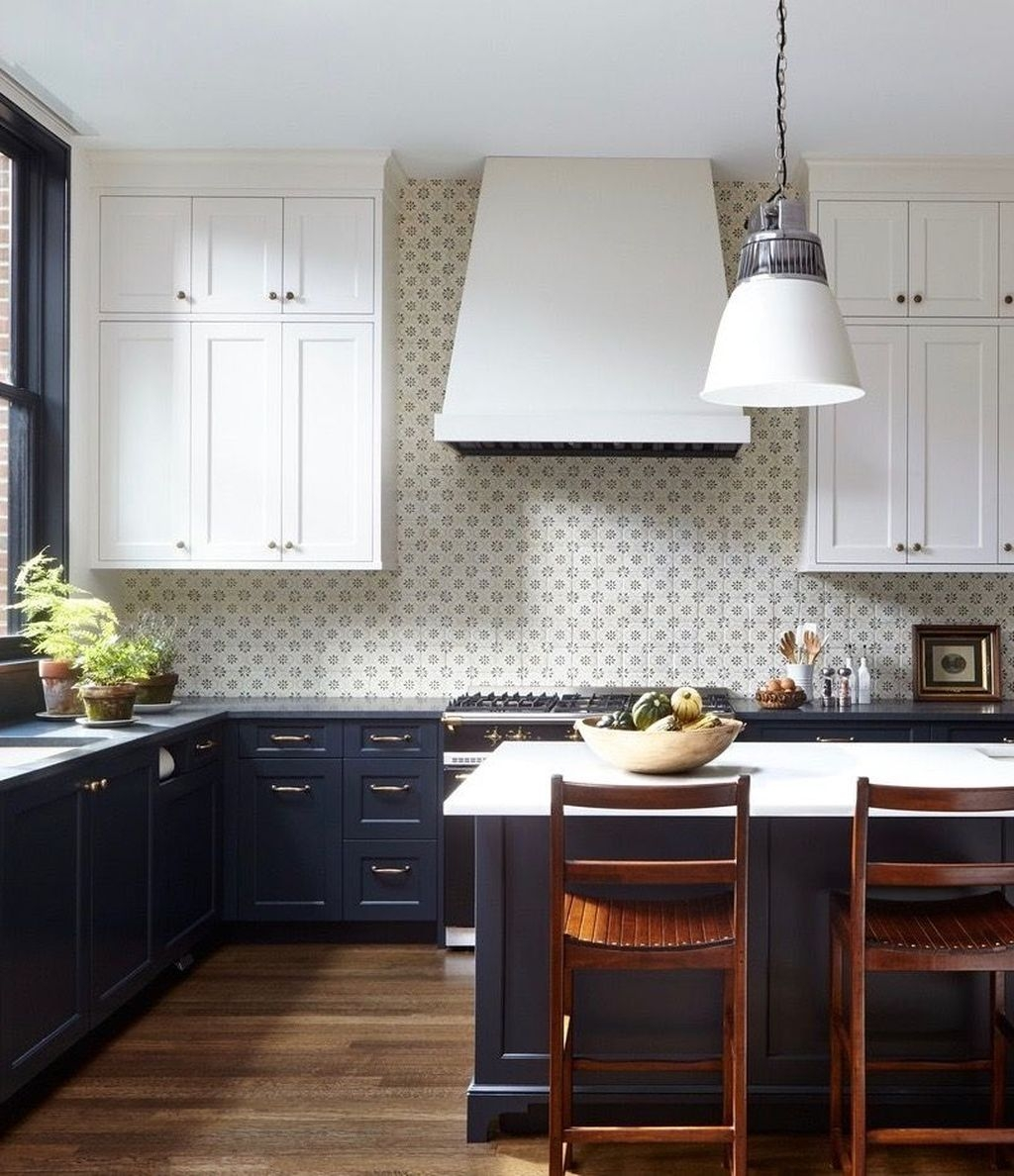 Incredible Black And White Kitchen Ideas To Try20
