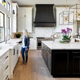 Incredible Black And White Kitchen Ideas To Try27