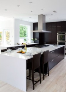 Incredible Black And White Kitchen Ideas To Try38