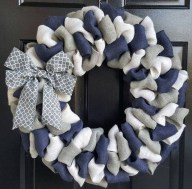 Pretty Wreath Decor Ideas To Hang On Your Door36