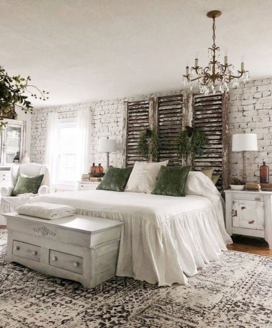 Spectacular Farmhouse Master Bedroom Decorating Ideas To Copy03