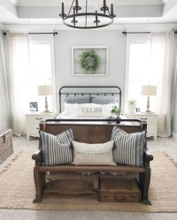 Spectacular Farmhouse Master Bedroom Decorating Ideas To Copy18
