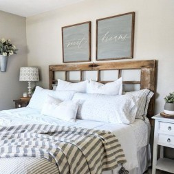 Spectacular Farmhouse Master Bedroom Decorating Ideas To Copy39