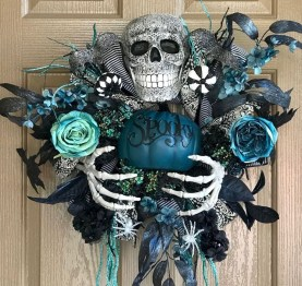 Stunning Diy Halloween Wreaths Design Ideas That Looks Cool16