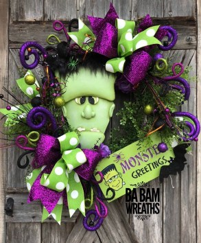 Stunning Diy Halloween Wreaths Design Ideas That Looks Cool32