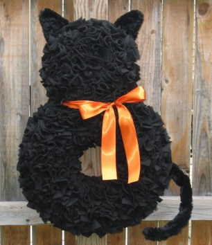 Stunning Diy Halloween Wreaths Design Ideas That Looks Cool33