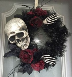 Stunning Diy Halloween Wreaths Design Ideas That Looks Cool38