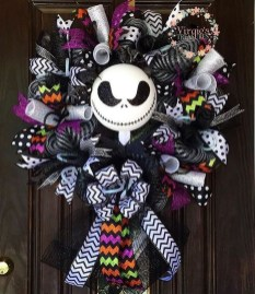 Stunning Diy Halloween Wreaths Design Ideas That Looks Cool39