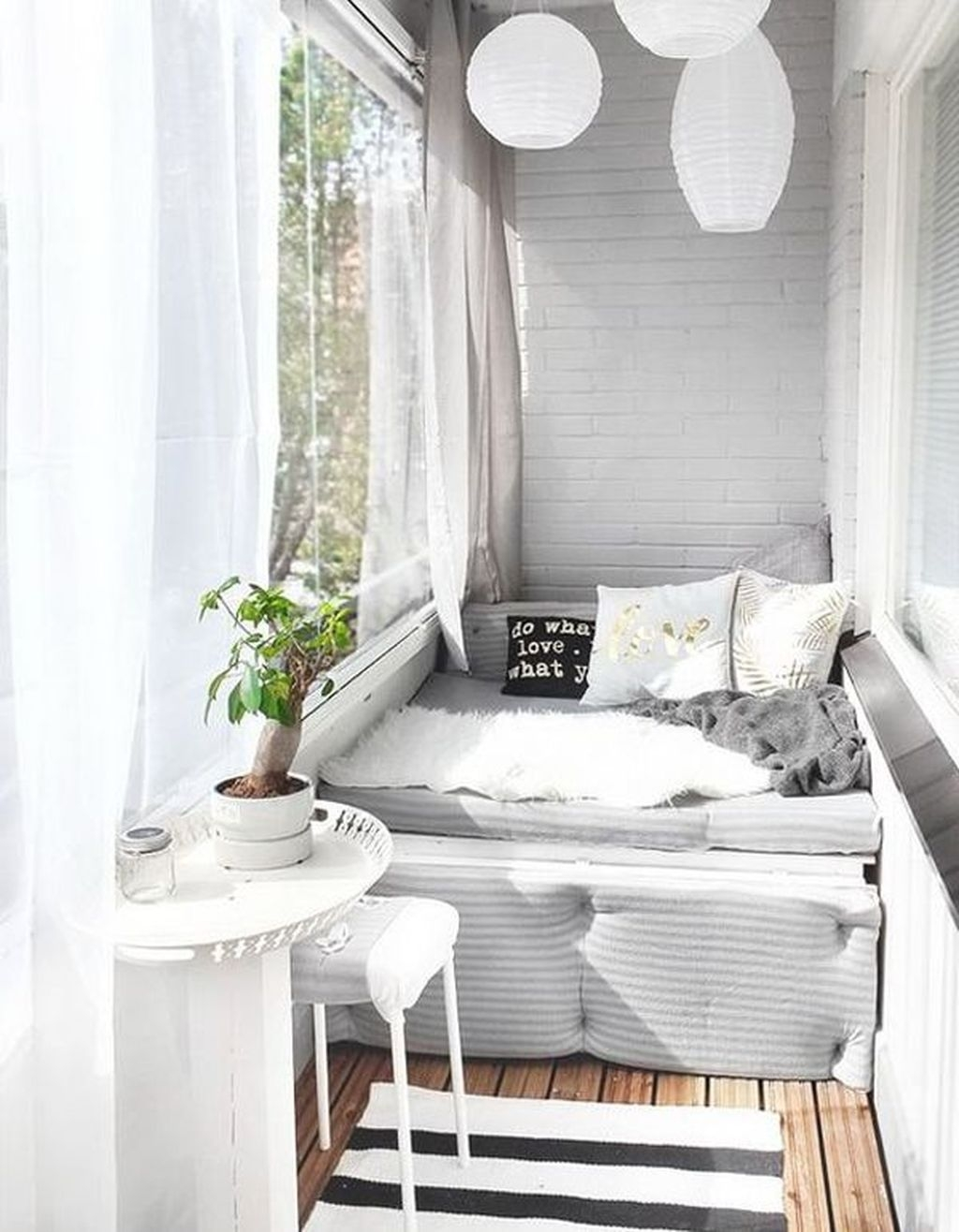 Brilliant Closed Balcony Design Ideas To Enjoy In All Weather Conditions24