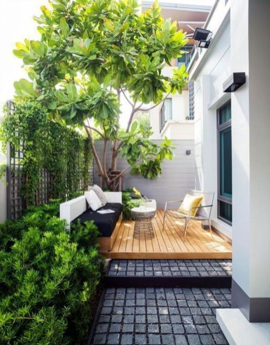Chic Small Courtyard Garden Design Ideas For You03