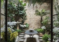 Chic Small Courtyard Garden Design Ideas For You18