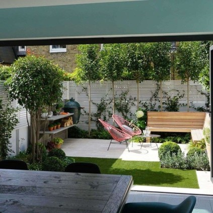 Chic Small Courtyard Garden Design Ideas For You27