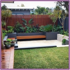 Chic Small Courtyard Garden Design Ideas For You38