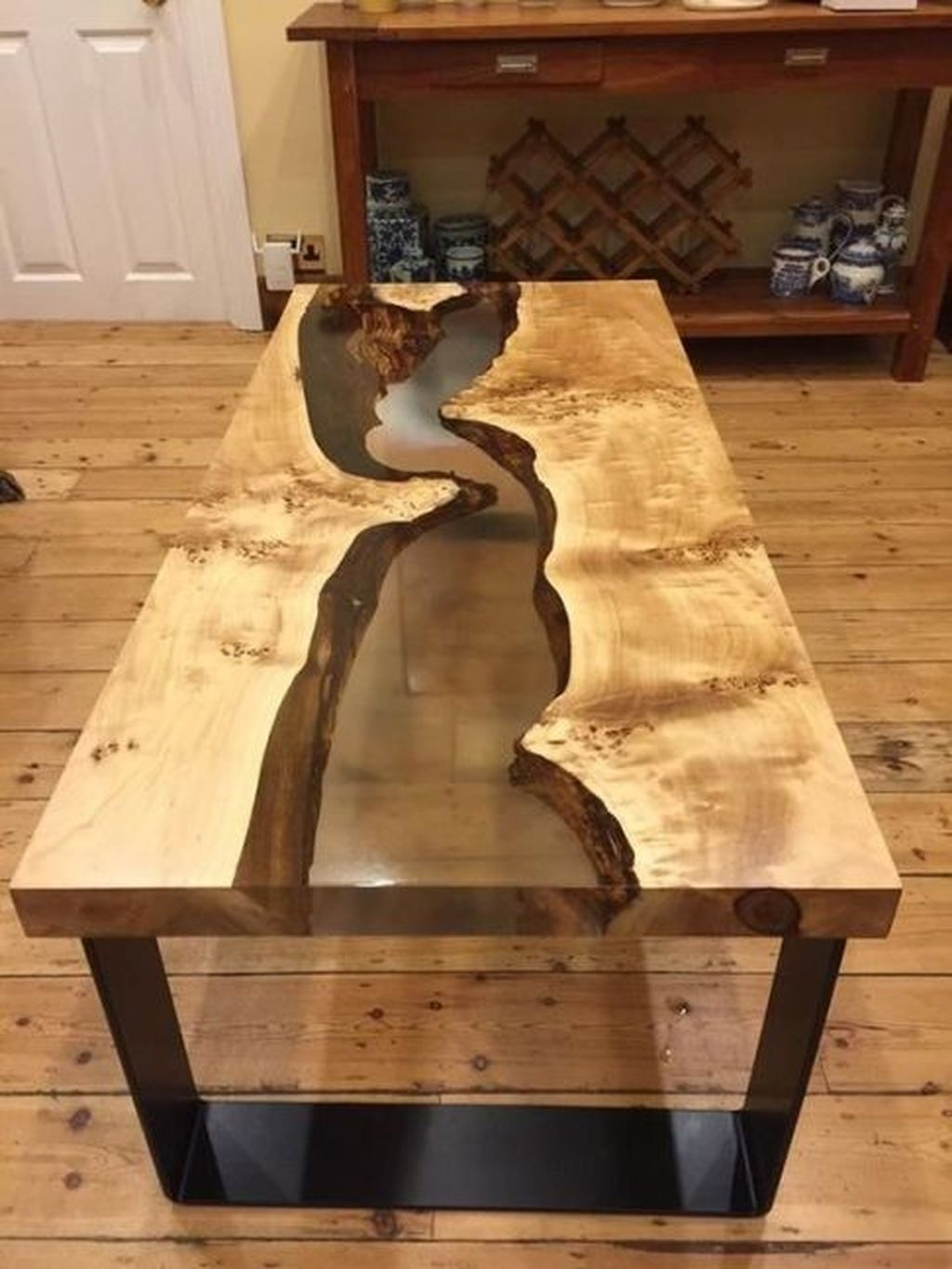 Classy Resin Wood Table Ideas For Your Furniture31