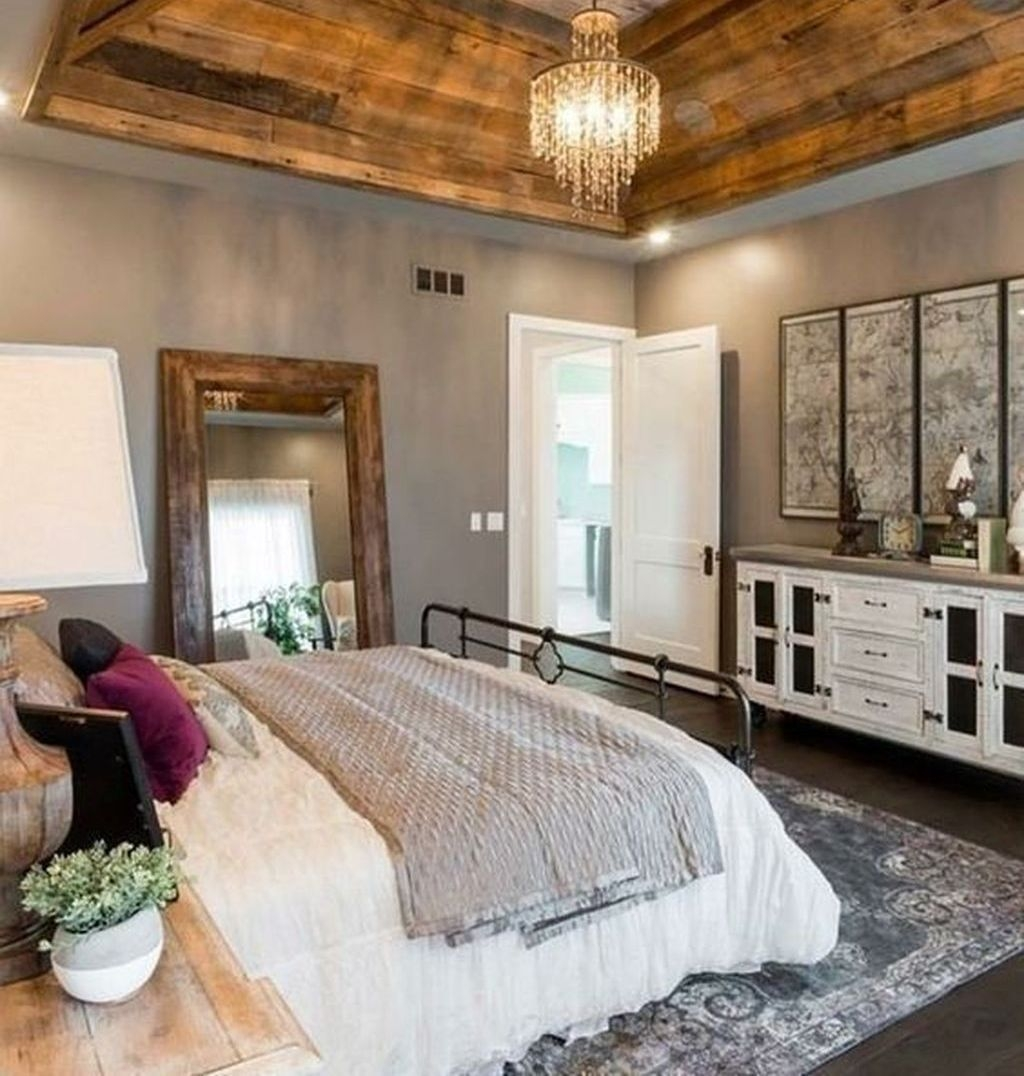 Cute Chandeliers Decoration Ideas For Your Bedroom31