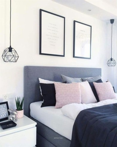 Cute Chandeliers Decoration Ideas For Your Bedroom37