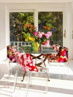 Stunning Dining Room Design Ideas With Multicolored Chairs27