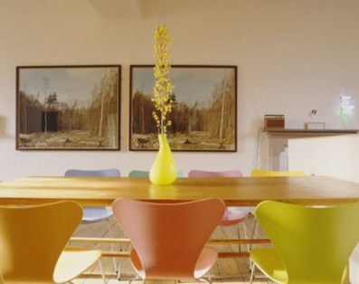 Stunning Dining Room Design Ideas With Multicolored Chairs37