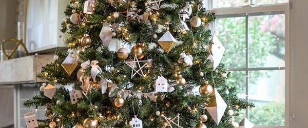 Amazing Silver And Gold Christmas Decorations Ideas