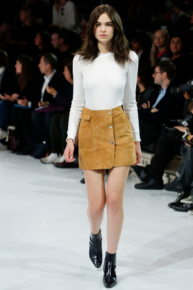 fashion trend suede bij courreges