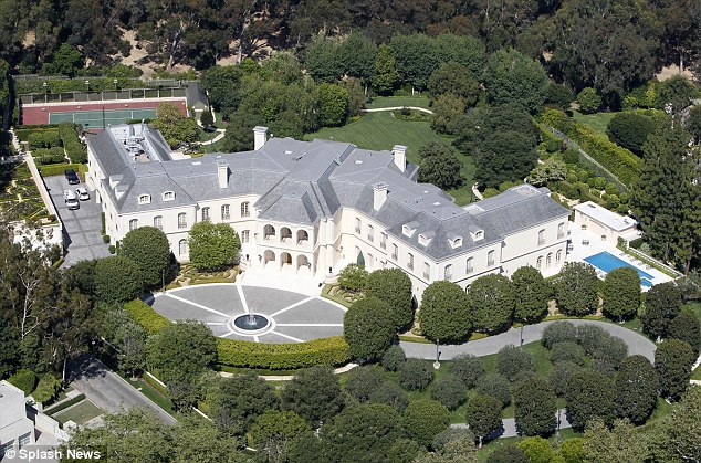 Dream House of Aaron Spelling in LA : The Manor