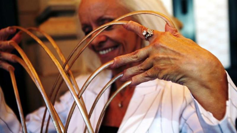 Longest fingernails on a woman