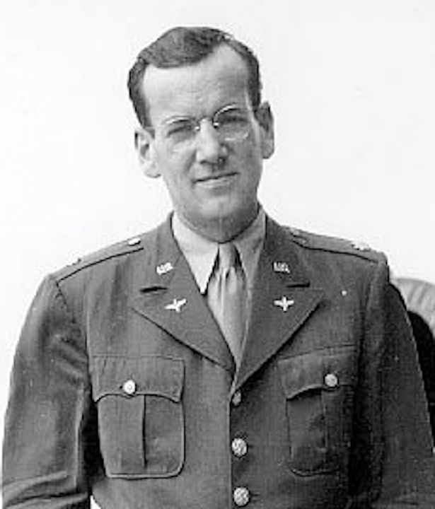 Disappearance of an Air Force Plane of Glenn Miller over the English Channel