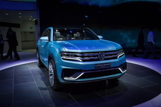 VW Cross Coupe GTE concept uses plug-in hybrid power