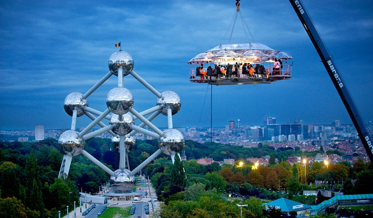 The restaurant where your table is up in the sky