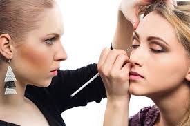 Make-up artists earns well even in recession