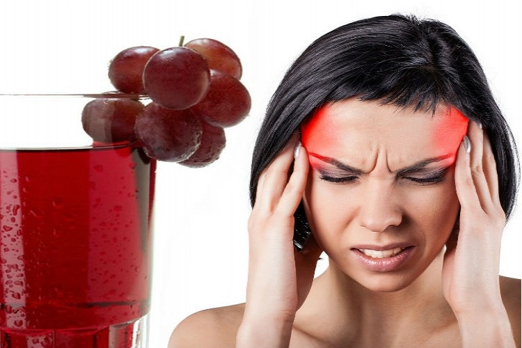 Get rid of migraines by having grapes