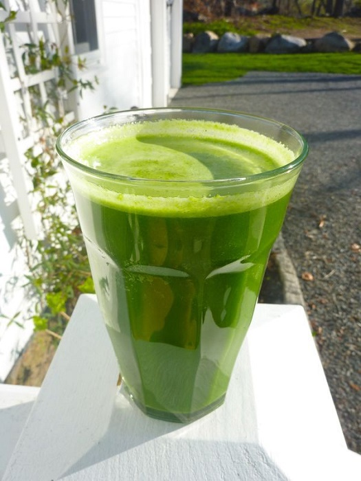 Lettuce, Broccoli and Cucumber Smoothie