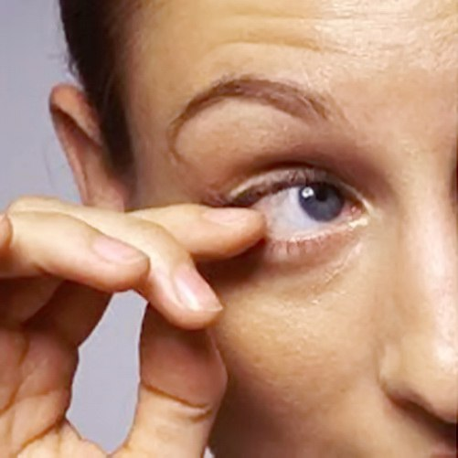 Both minor and serious forms of eye twitching can occur among peopl