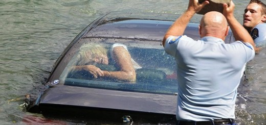 A BMW was drowning and a woman was about to die... These men did a great job!