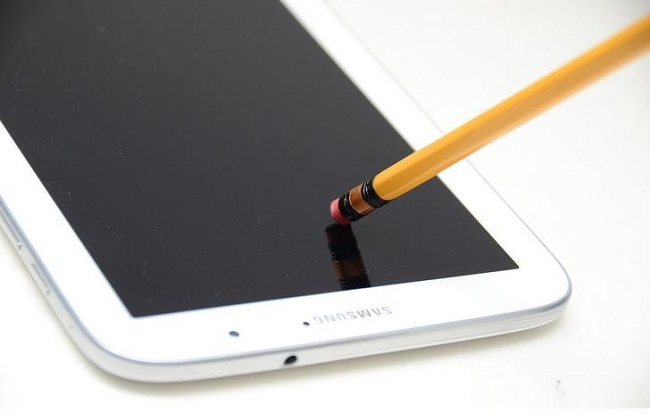 Pencil eraser to remove scratches from your phone