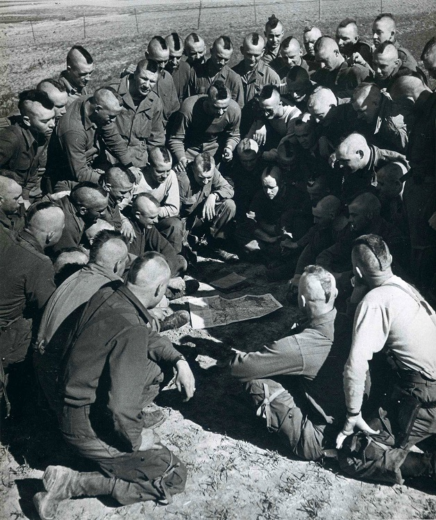 US Paratroopers briefing in WWII