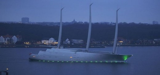 Watch the Video of the launching of the World's largest futuristic super Yacht whose features will amaze you