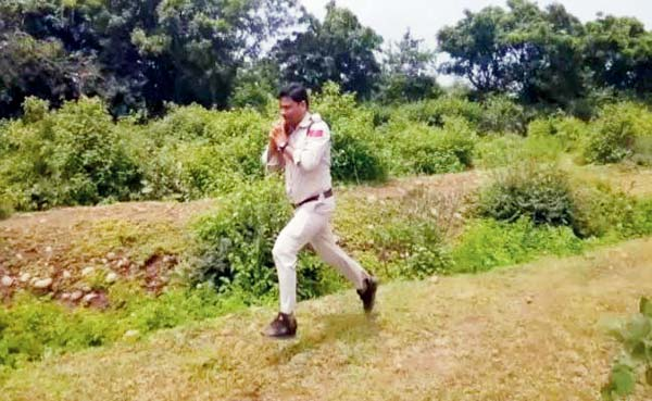 Abhishek Patel the cop running with bomb