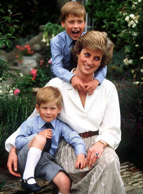 Diana Frances with her kids