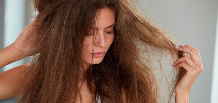 12 Daily Habits That Are Damaging Your Hair to an Extent