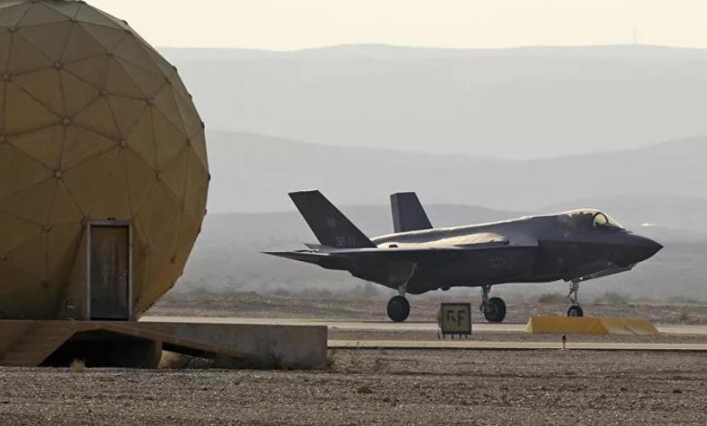وزير إسرائيلي يهدد بقصف إيران : طائراتنا ستحلق في سمائكم
