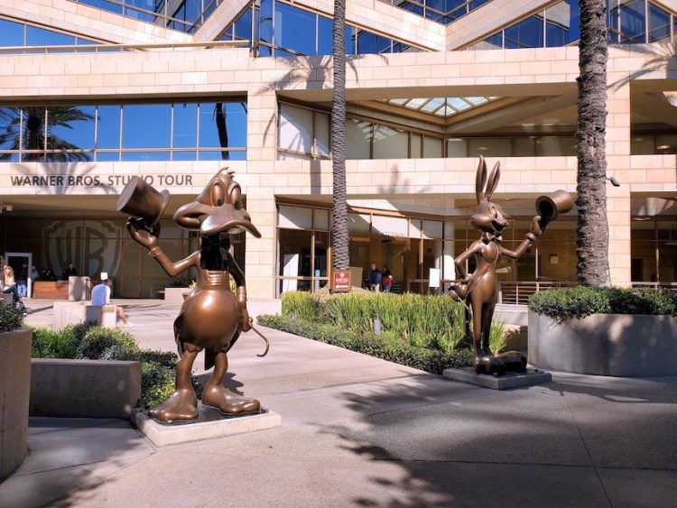Daffy Duck and Bugs Bunny Statues at the entrance of the Warner Bros. Studio Tour Hollywood