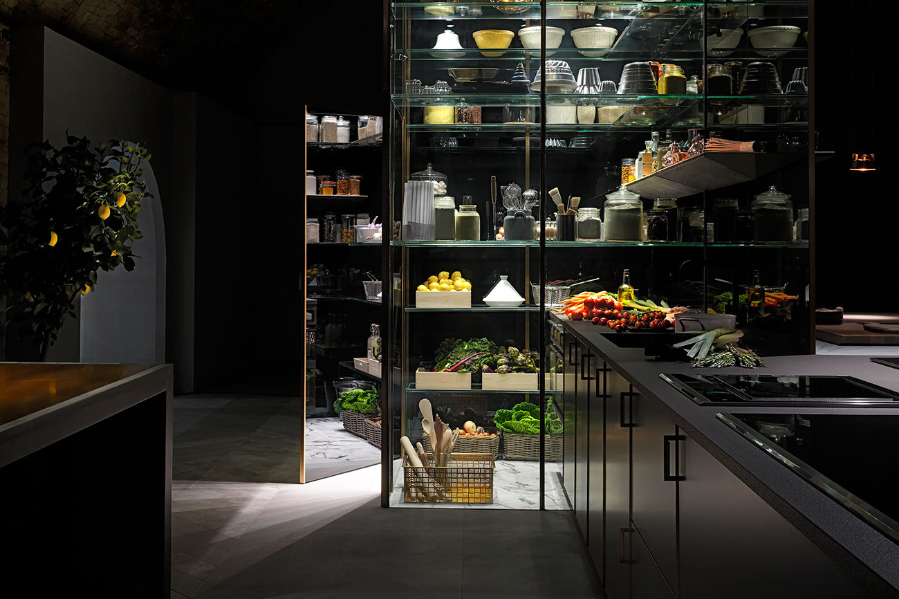 electrolux grand cuisine poggenpohl created the ultimate home kitchen. Black Bedroom Furniture Sets. Home Design Ideas
