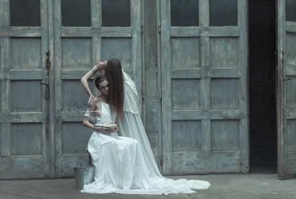 Evelyn-Bencicova-black-magic-editorial-5