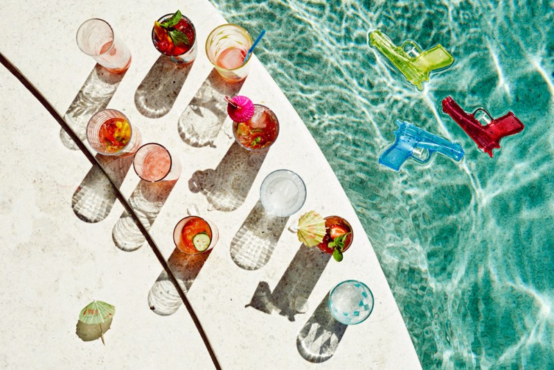 summer-editorial-pool-party-14