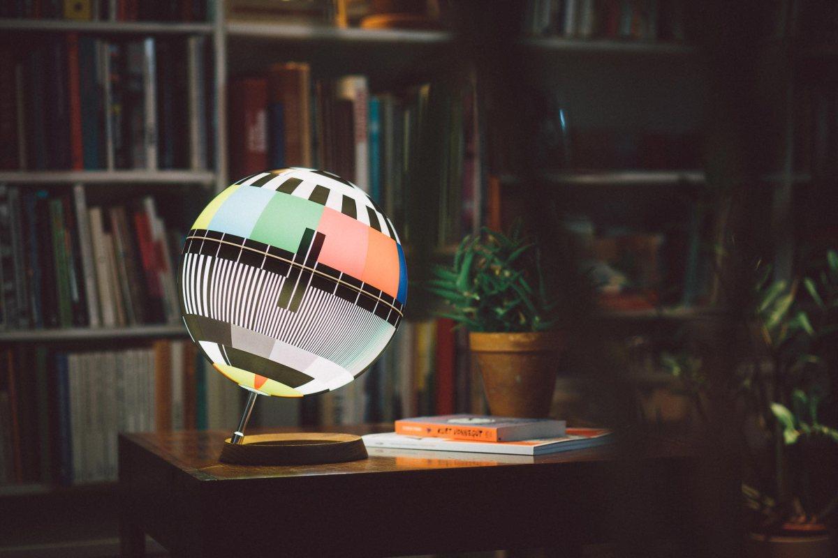 mono-lamp-simon-forgacs-1