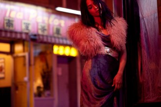 Magpie-Magazine-January-2017-Julianna-Grogan-by-Alex-Hutchinson-14