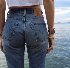 5pzdci-l-610x610-jeans-highjeans-bfjeans-boyfriendjeans-bluejeans-girlfriendjeans-gfjeans-denim-denimjeans-highwaistedjeans-highwaisted-beach-ass-booty-bootyjeans-momjeans-levis